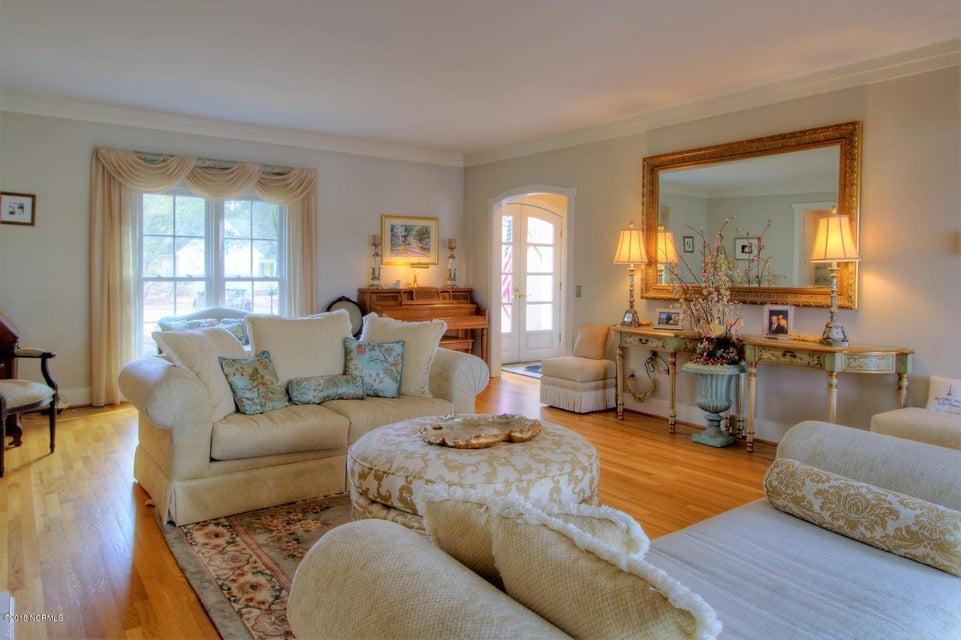 Smithville Woods Real Estate - http://cdn.resize.sparkplatform.com/ncr/1024x768/true/20180122221644945964000000-o.jpg