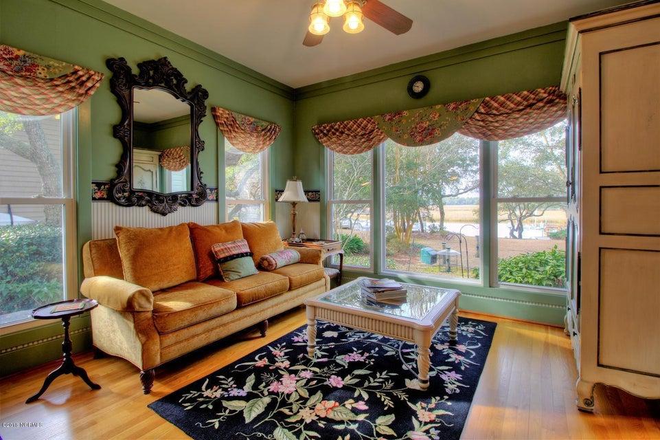 Smithville Woods Real Estate - http://cdn.resize.sparkplatform.com/ncr/1024x768/true/20180122222006051022000000-o.jpg