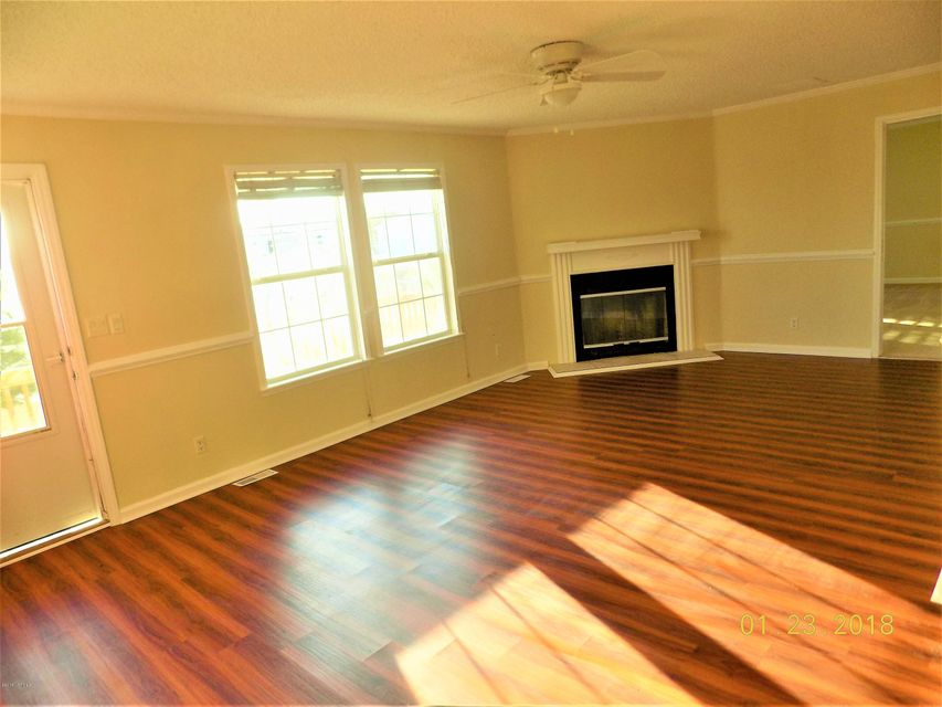 114 Magnolia Gardens Drive Home For Sale in Jacksonville, NC