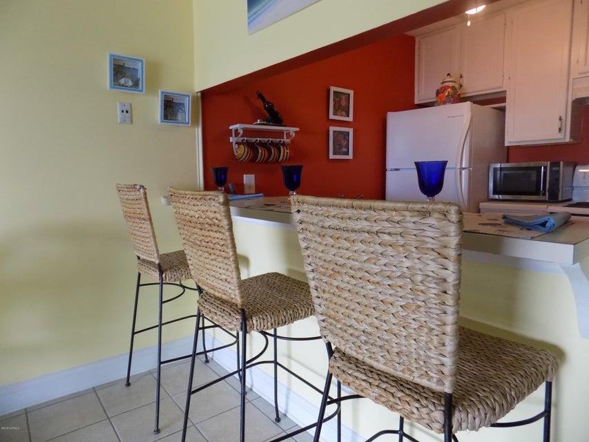 Driftwood Villas Real Estate - http://cdn.resize.sparkplatform.com/ncr/1024x768/true/20180125141730559940000000-o.jpg