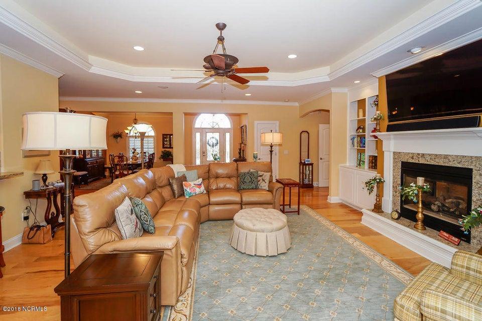 Brunswick Forest Real Estate - http://cdn.resize.sparkplatform.com/ncr/1024x768/true/20180125155434700355000000-o.jpg