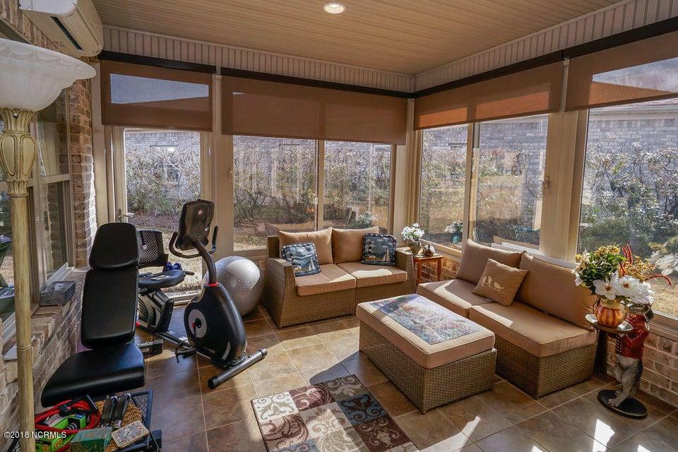 Brunswick Forest Real Estate - http://cdn.resize.sparkplatform.com/ncr/1024x768/true/20180125155618543022000000-o.jpg