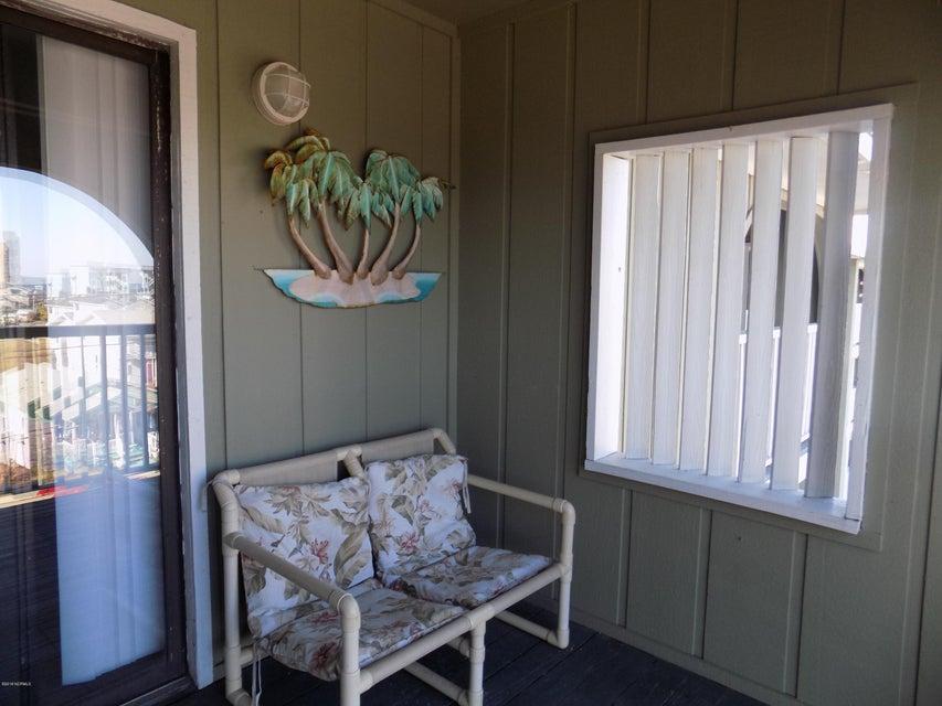 Driftwood Villas Real Estate - http://cdn.resize.sparkplatform.com/ncr/1024x768/true/20180125204930380233000000-o.jpg