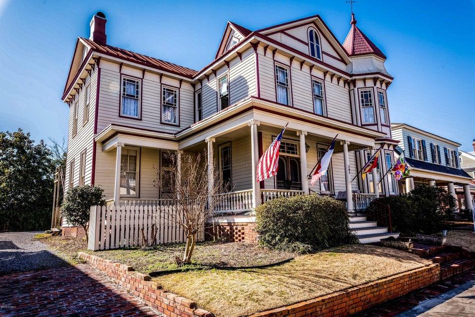 207 Pollock Street,New Bern,North Carolina,6 Bedrooms Bedrooms,10 Rooms Rooms,6 BathroomsBathrooms,Single family residence,Pollock,100064392
