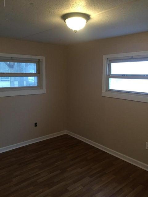 Holiday Acres Real Estate - http://cdn.resize.sparkplatform.com/ncr/1024x768/true/20180129232439968764000000-o.jpg