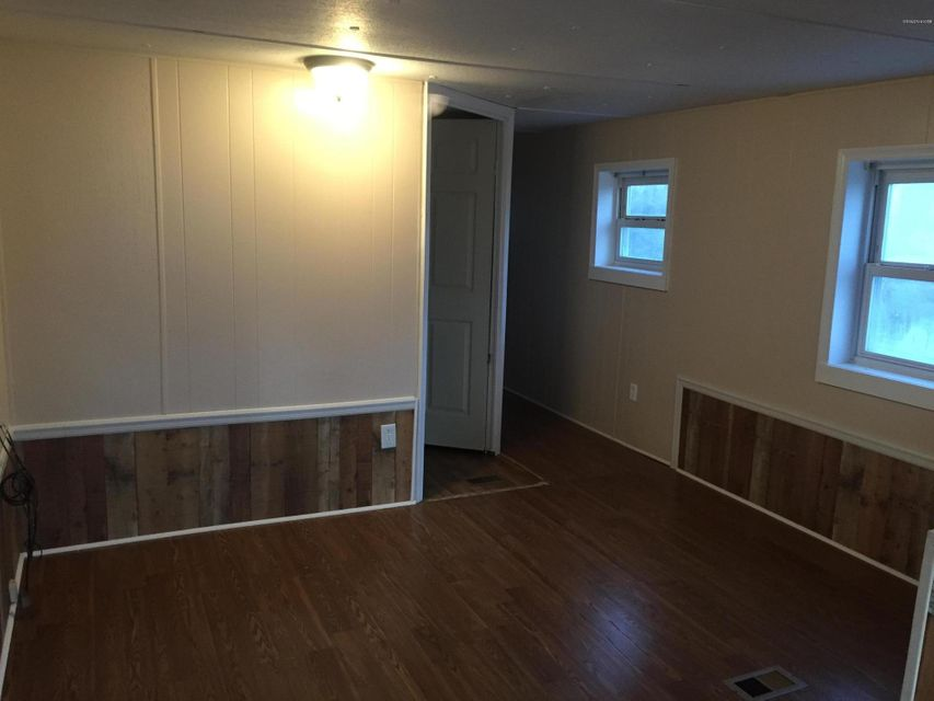 Holiday Acres Real Estate - http://cdn.resize.sparkplatform.com/ncr/1024x768/true/20180129232513869840000000-o.jpg