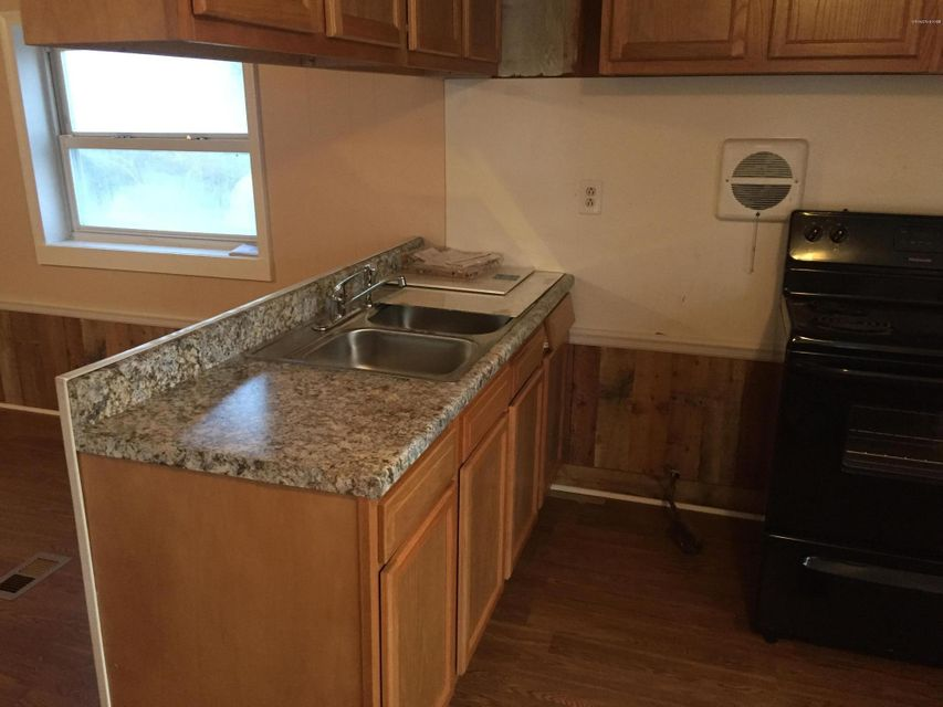 Holiday Acres Real Estate - http://cdn.resize.sparkplatform.com/ncr/1024x768/true/20180129232516271429000000-o.jpg
