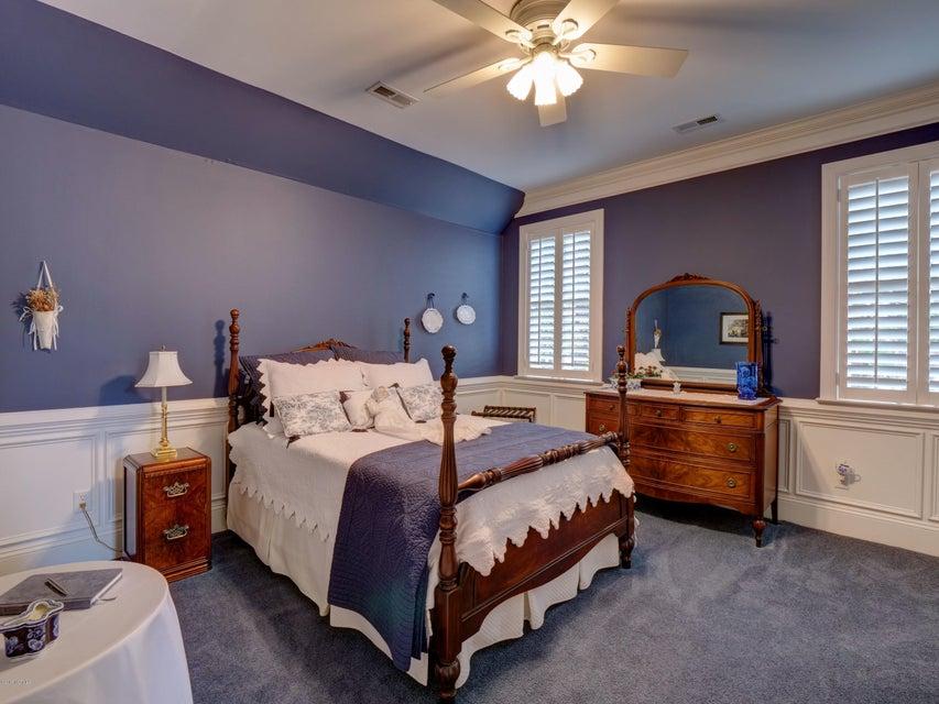 St James Real Estate - http://cdn.resize.sparkplatform.com/ncr/1024x768/true/20180130170830455416000000-o.jpg