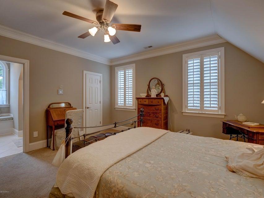 St James Real Estate - http://cdn.resize.sparkplatform.com/ncr/1024x768/true/20180130170857913792000000-o.jpg
