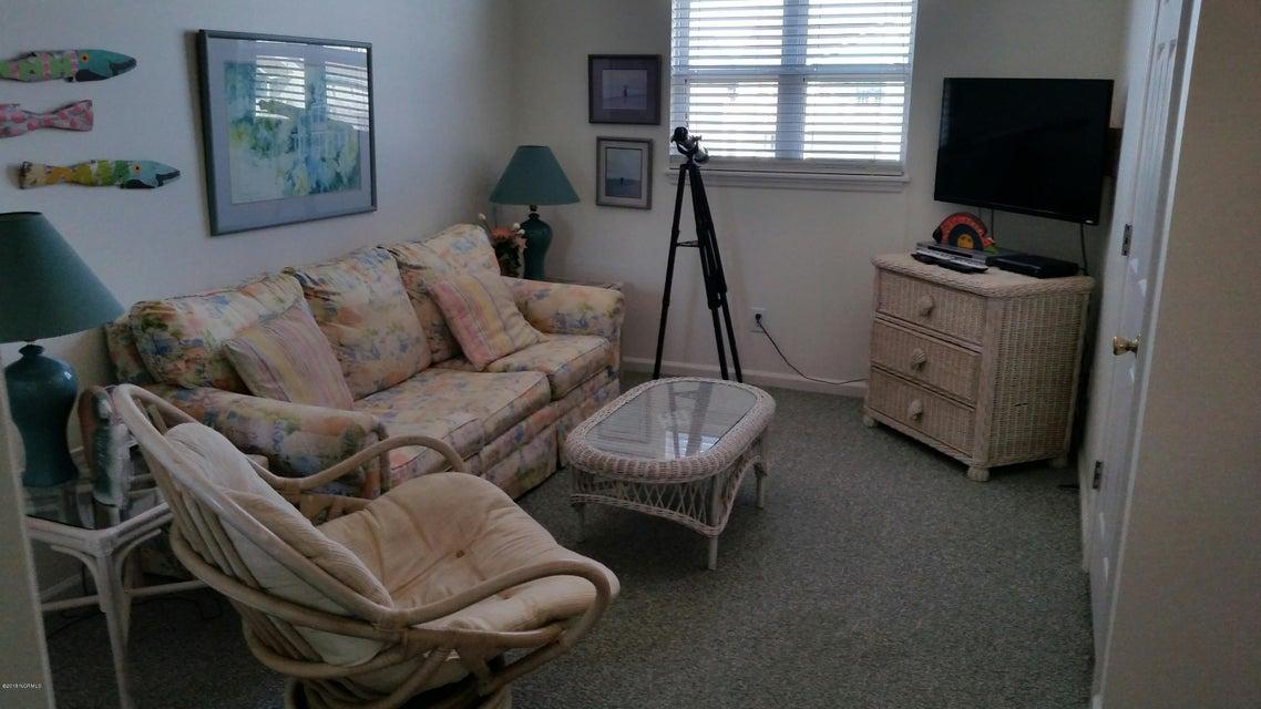 Colonial Beach Real Estate - http://cdn.resize.sparkplatform.com/ncr/1024x768/true/20180202145128743956000000-o.jpg
