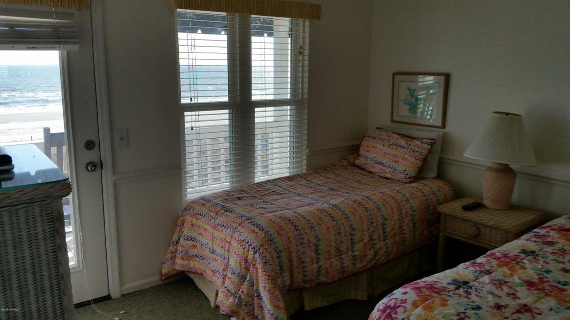 Colonial Beach Real Estate - http://cdn.resize.sparkplatform.com/ncr/1024x768/true/20180202145139232298000000-o.jpg