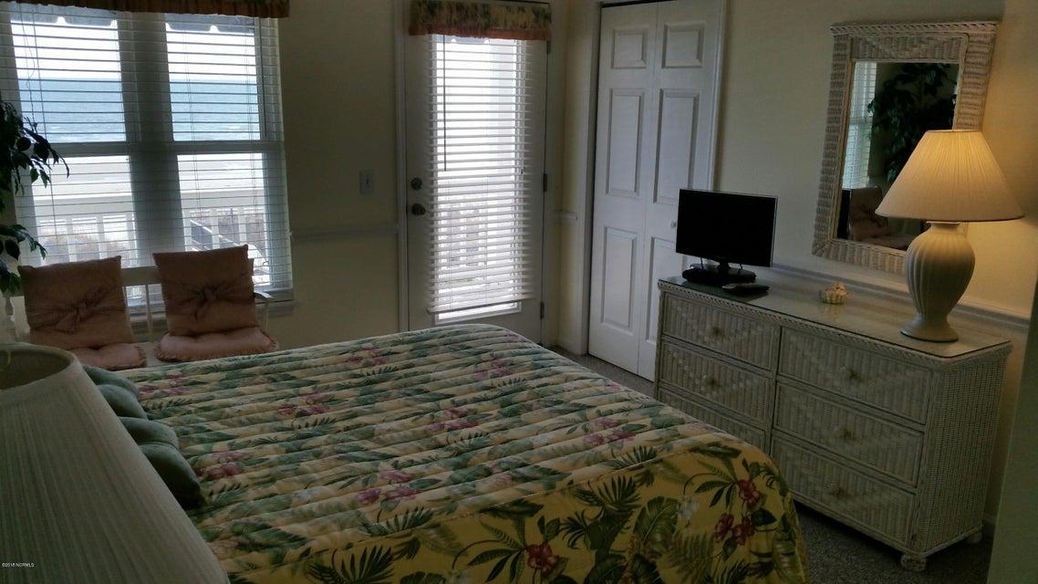 Colonial Beach Real Estate - http://cdn.resize.sparkplatform.com/ncr/1024x768/true/20180202145200211719000000-o.jpg