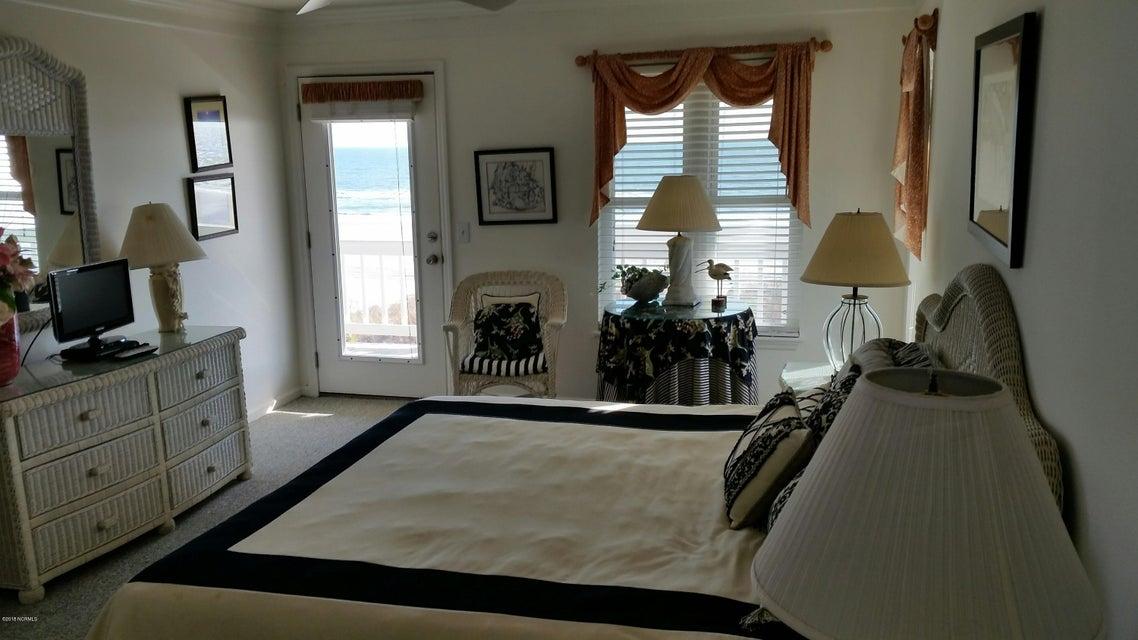 Colonial Beach Real Estate - http://cdn.resize.sparkplatform.com/ncr/1024x768/true/20180202145214771913000000-o.jpg