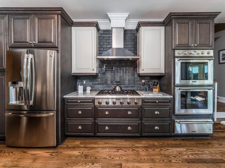 St James Real Estate - http://cdn.resize.sparkplatform.com/ncr/1024x768/true/20180202181149239188000000-o.jpg