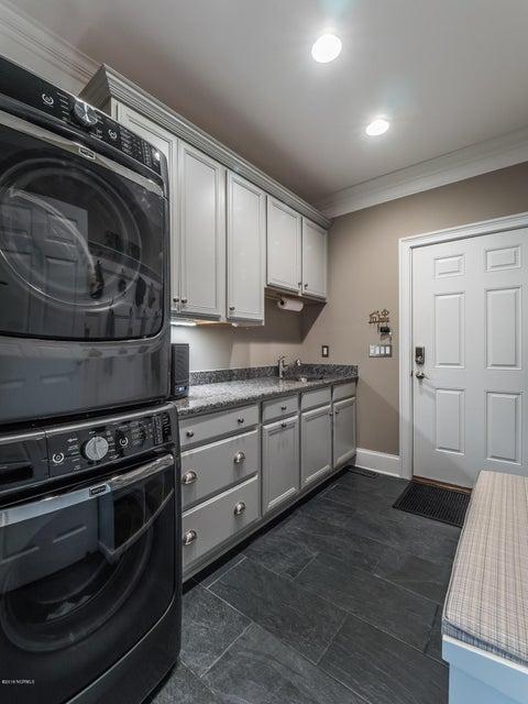 St James Real Estate - http://cdn.resize.sparkplatform.com/ncr/1024x768/true/20180202181337523767000000-o.jpg