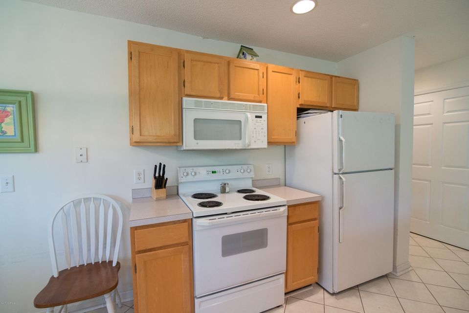 St James Real Estate - http://cdn.resize.sparkplatform.com/ncr/1024x768/true/20180202184620288316000000-o.jpg