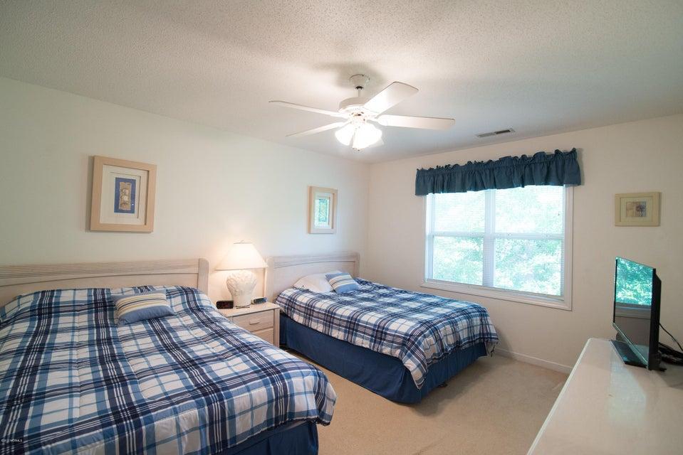 St James Real Estate - http://cdn.resize.sparkplatform.com/ncr/1024x768/true/20180202184625451296000000-o.jpg