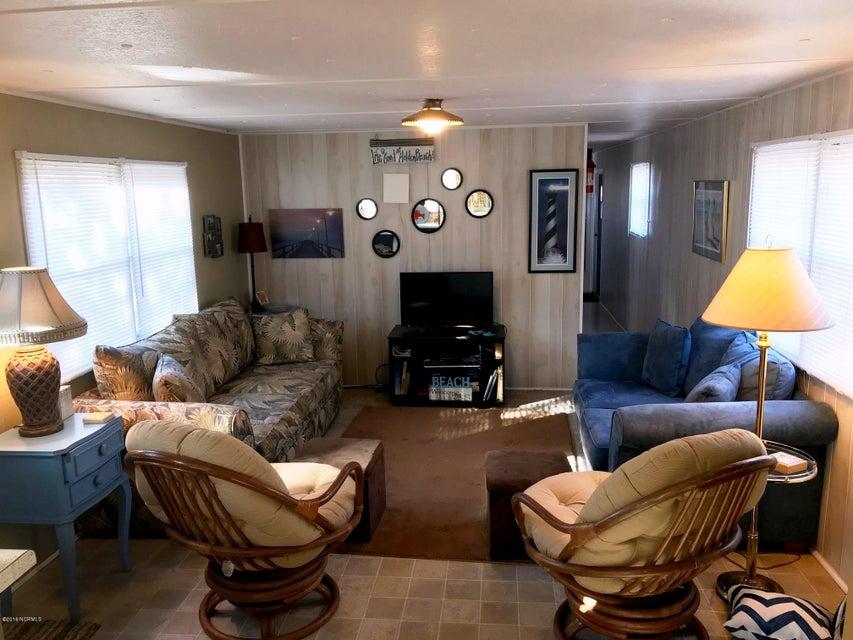 Tropical Shore Real Estate - http://cdn.resize.sparkplatform.com/ncr/1024x768/true/20180203144339890714000000-o.jpg