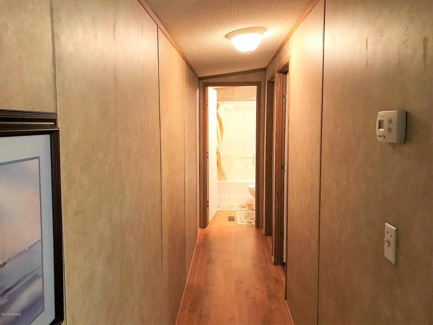 Forest Hills Real Estate - http://cdn.resize.sparkplatform.com/ncr/1024x768/true/20180205180632123252000000-o.jpg