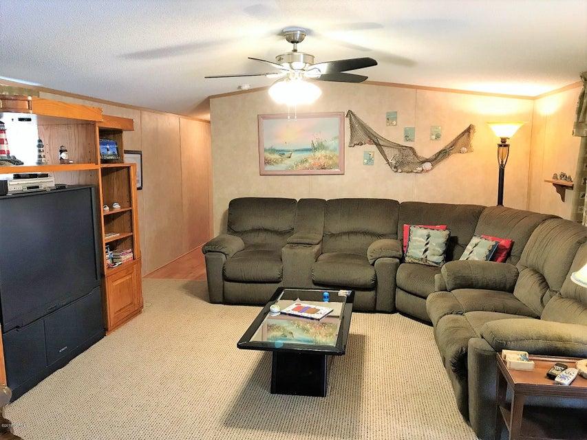 Forest Hills Real Estate - http://cdn.resize.sparkplatform.com/ncr/1024x768/true/20180205180636805650000000-o.jpg