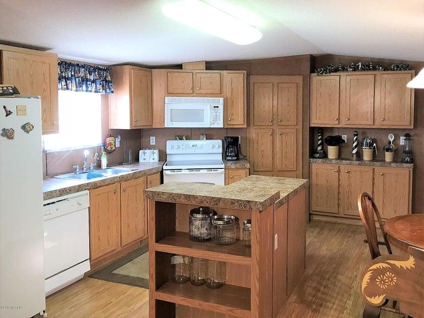 Forest Hills Real Estate - http://cdn.resize.sparkplatform.com/ncr/1024x768/true/20180205180707219107000000-o.jpg