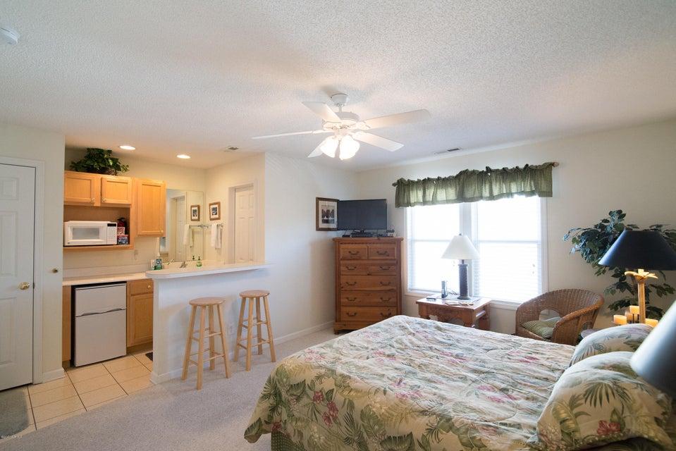 St James Real Estate - http://cdn.resize.sparkplatform.com/ncr/1024x768/true/20180206194318169108000000-o.jpg