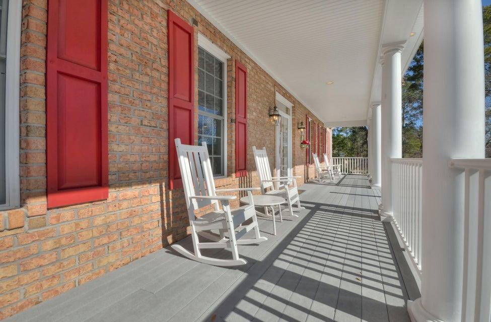 St James Real Estate - http://cdn.resize.sparkplatform.com/ncr/1024x768/true/20180208162606687872000000-o.jpg
