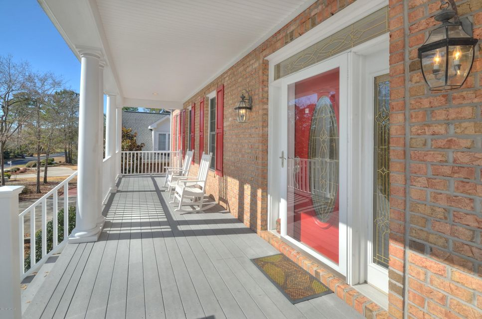 St James Real Estate - http://cdn.resize.sparkplatform.com/ncr/1024x768/true/20180208162617354533000000-o.jpg