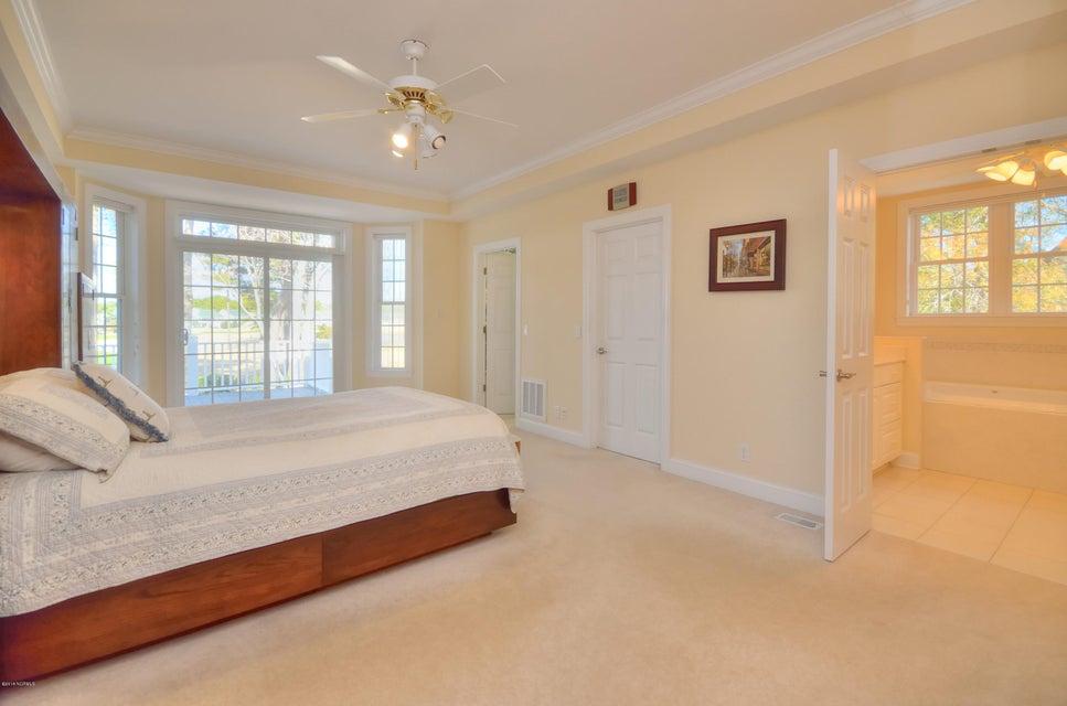 St James Real Estate - http://cdn.resize.sparkplatform.com/ncr/1024x768/true/20180208162918757952000000-o.jpg