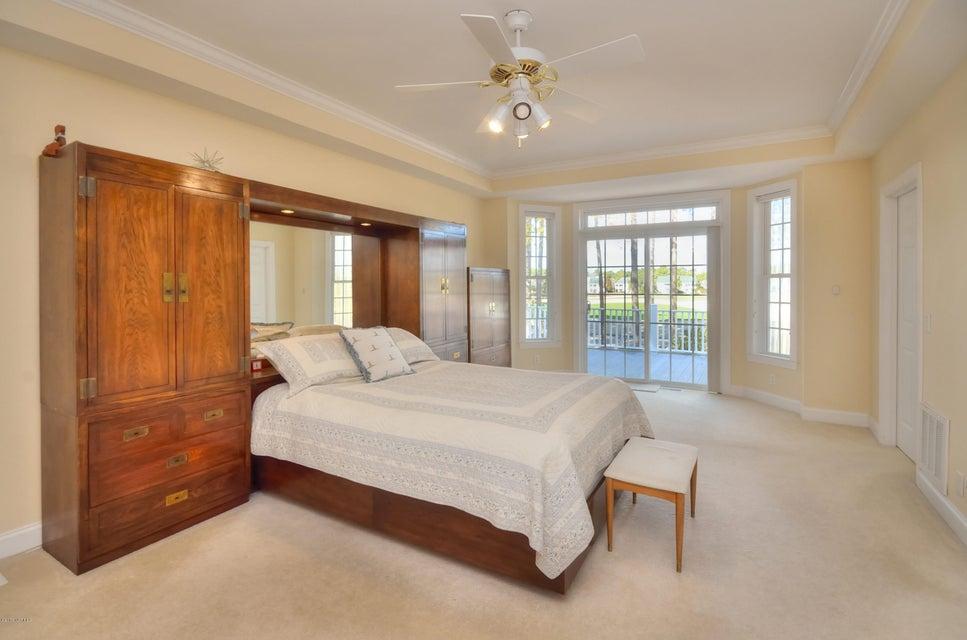 St James Real Estate - http://cdn.resize.sparkplatform.com/ncr/1024x768/true/20180208162934144877000000-o.jpg