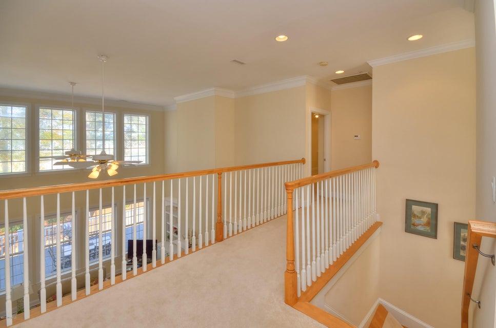 St James Real Estate - http://cdn.resize.sparkplatform.com/ncr/1024x768/true/20180208162955120701000000-o.jpg