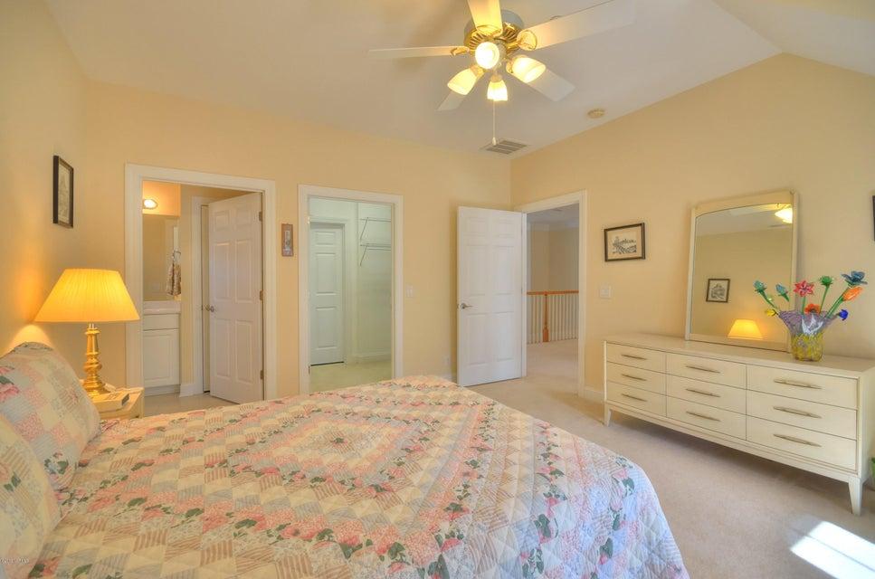 St James Real Estate - http://cdn.resize.sparkplatform.com/ncr/1024x768/true/20180208163011712730000000-o.jpg