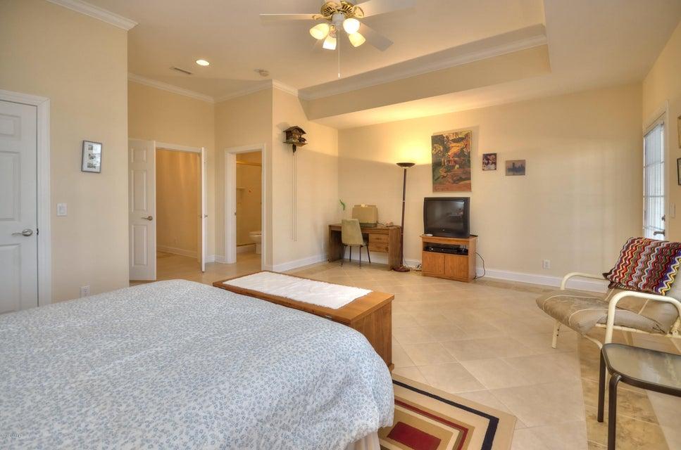 St James Real Estate - http://cdn.resize.sparkplatform.com/ncr/1024x768/true/20180208163107295611000000-o.jpg