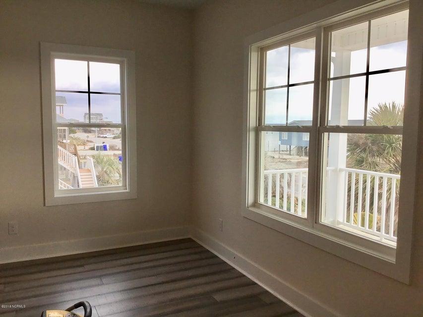 Long Beach Real Estate - http://cdn.resize.sparkplatform.com/ncr/1024x768/true/20180208215715098299000000-o.jpg