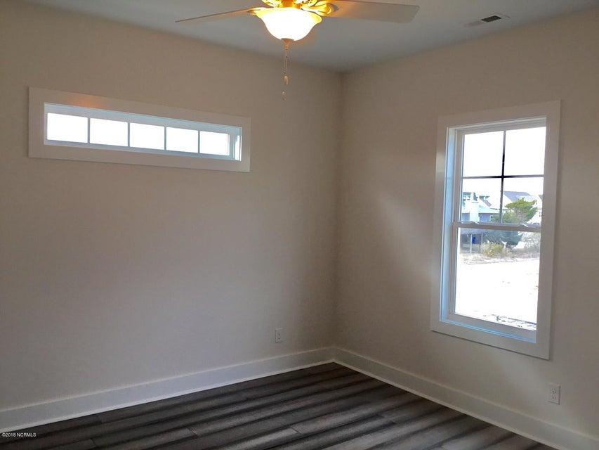 Long Beach Real Estate - http://cdn.resize.sparkplatform.com/ncr/1024x768/true/20180208215731686545000000-o.jpg
