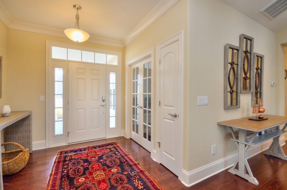 St James Real Estate - http://cdn.resize.sparkplatform.com/ncr/1024x768/true/20180209221341816770000000-o.jpg