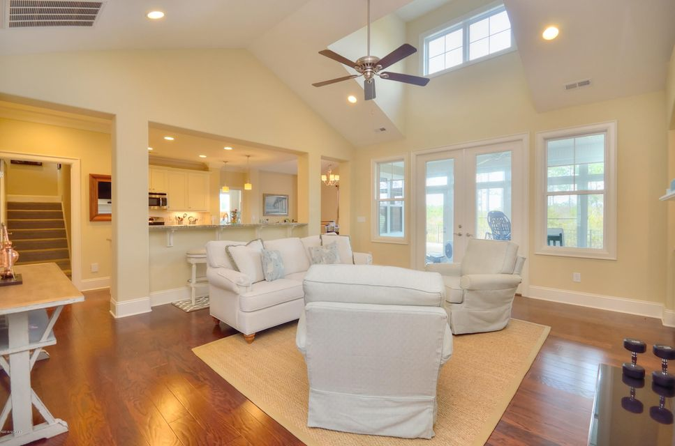 St James Real Estate - http://cdn.resize.sparkplatform.com/ncr/1024x768/true/20180209221411308769000000-o.jpg