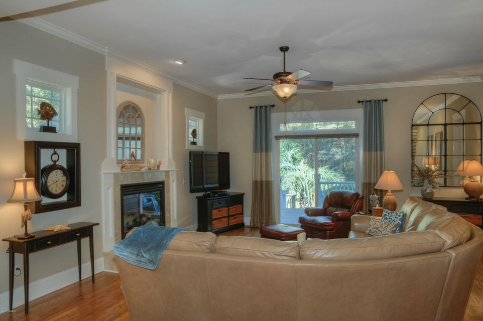 Cottage Point Real Estate - http://cdn.resize.sparkplatform.com/ncr/1024x768/true/20180213181509908341000000-o.jpg
