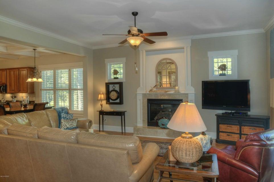 Cottage Point Real Estate - http://cdn.resize.sparkplatform.com/ncr/1024x768/true/20180213181510259944000000-o.jpg