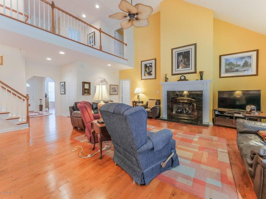 Highland Shores Real Estate - http://cdn.resize.sparkplatform.com/ncr/1024x768/true/20180215175957076761000000-o.jpg