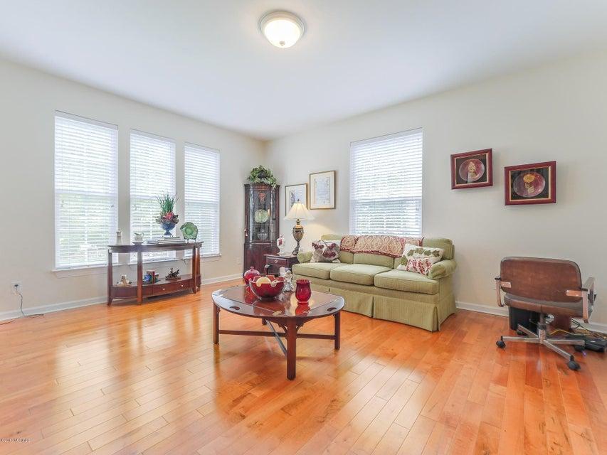 Highland Shores Real Estate - http://cdn.resize.sparkplatform.com/ncr/1024x768/true/20180215180027424249000000-o.jpg