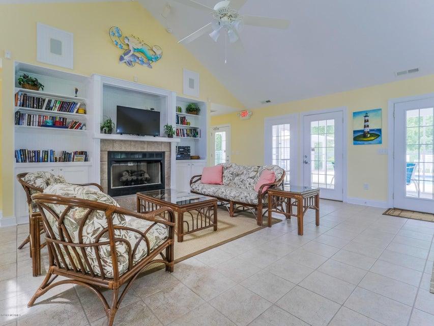 Highland Shores Real Estate - http://cdn.resize.sparkplatform.com/ncr/1024x768/true/20180215180114207934000000-o.jpg