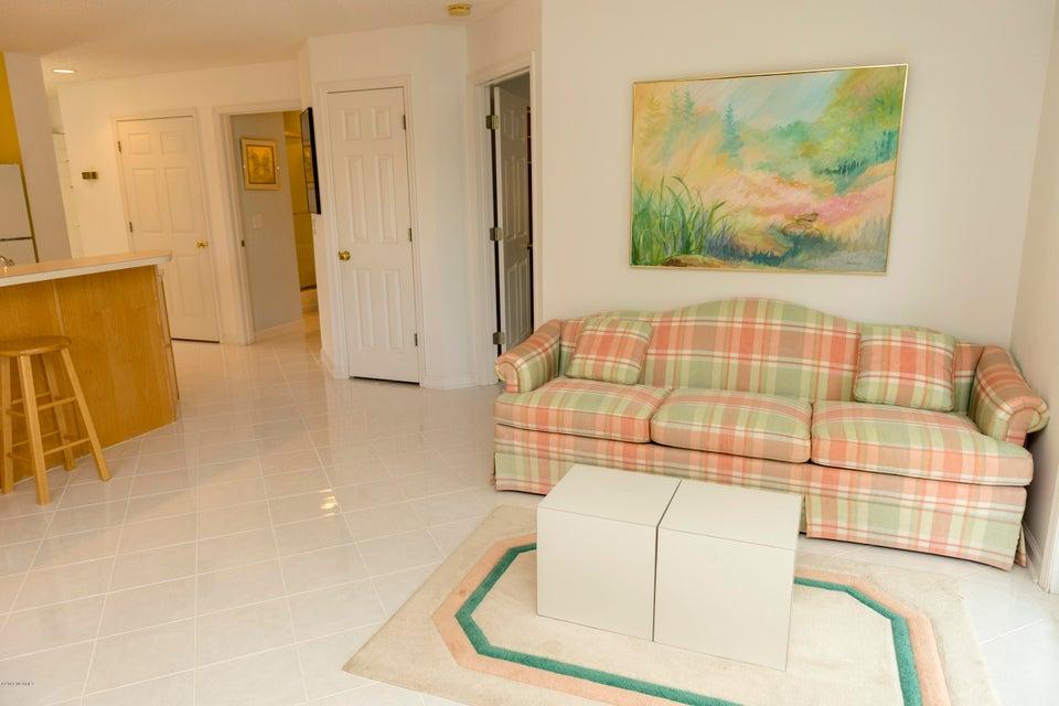 St James Real Estate - http://cdn.resize.sparkplatform.com/ncr/1024x768/true/20180220155413222503000000-o.jpg