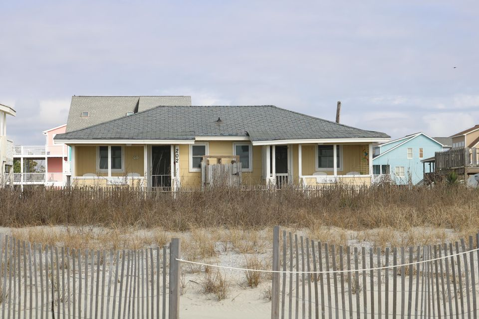 RE/MAX at the Beach - MLS Number: 100101853