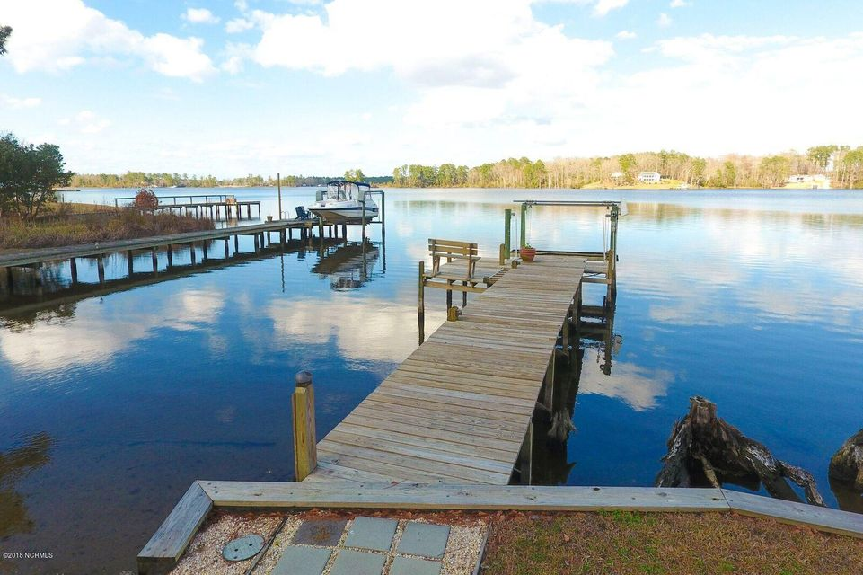 Property for sale at 101 Waters Edge Drive, Chocowinity,  NC 27817