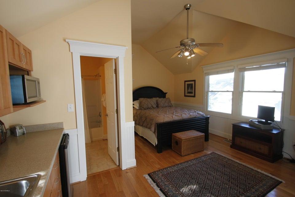 BHI Stage II Cape Fear Station Real Estate - http://cdn.resize.sparkplatform.com/ncr/1024x768/true/20180224204102322987000000-o.jpg