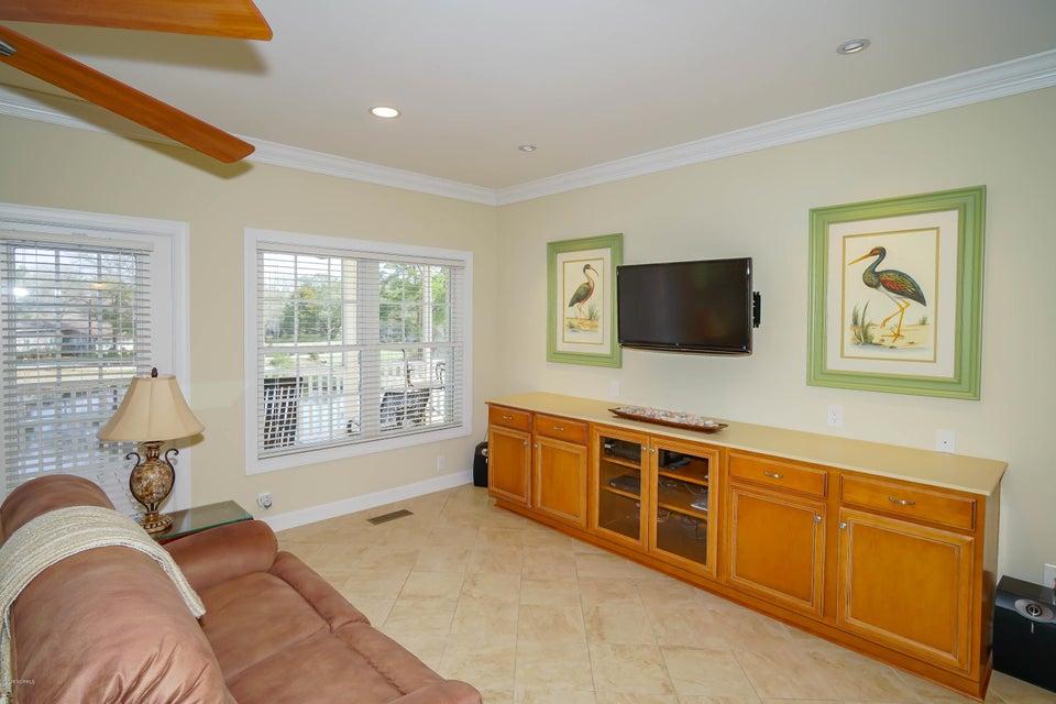 Tanglewood Real Estate - http://cdn.resize.sparkplatform.com/ncr/1024x768/true/20180226172351269027000000-o.jpg