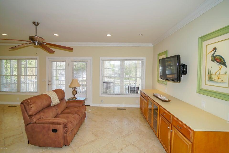 Tanglewood Real Estate - http://cdn.resize.sparkplatform.com/ncr/1024x768/true/20180226172357903301000000-o.jpg