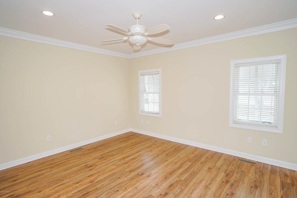 Tanglewood Real Estate - http://cdn.resize.sparkplatform.com/ncr/1024x768/true/20180226172508567913000000-o.jpg