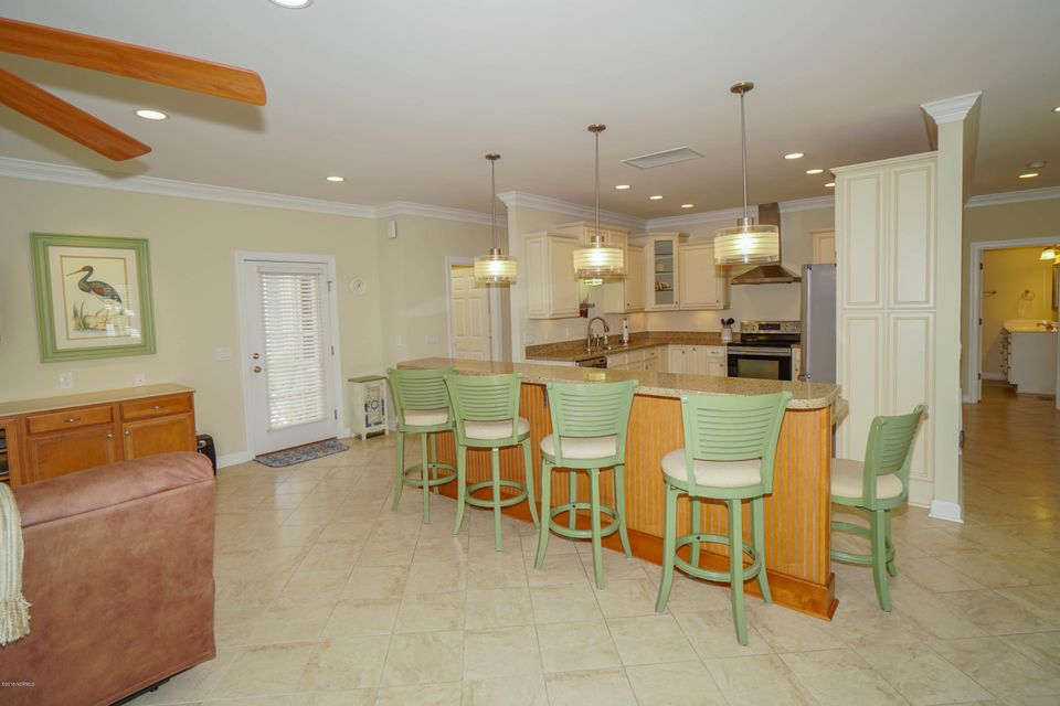 Tanglewood Real Estate - http://cdn.resize.sparkplatform.com/ncr/1024x768/true/20180226172656479281000000-o.jpg